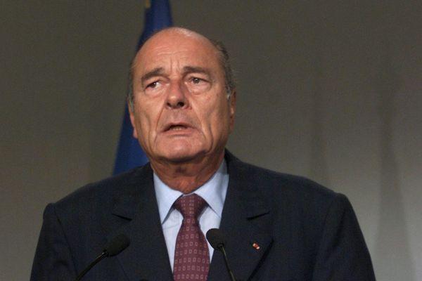 """Jacques Chirac exprimait le 11 septembre 2001 à Rennes, son """"immense émotion"""", après """"les attentats monstrueux"""" aux Etats-Unis"""