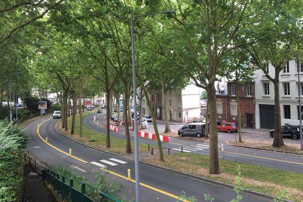 Rouen le 18 août 2020 : le boulevard de Verdun entre la place Saint-Hilaire et la place du Boulingrin.