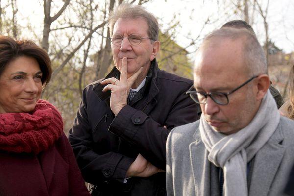 """Guy Teissier avec Martine Vassal et  Lionel Royer Perreault lors d'un """"coup de poing propreté"""" en janvier 2020"""
