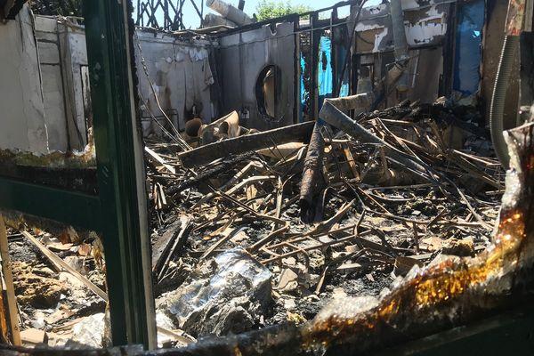 Dégâts causés après l'incendie du Centre Périscolaire.