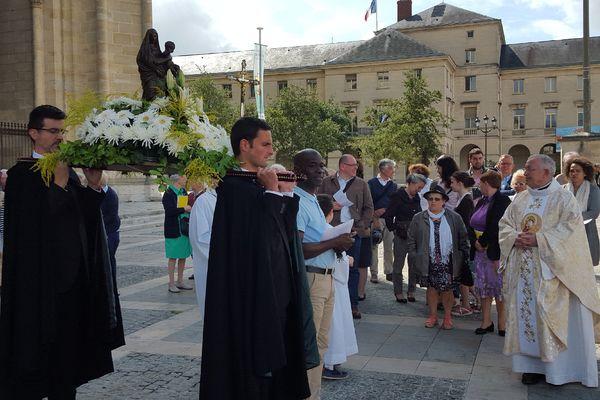 Les cloches de la cathédrale Sainte-Croix d'Orléans ont sonné à midi ce 15 août, en signe de solidarité avec les chrétiens d'Orient.