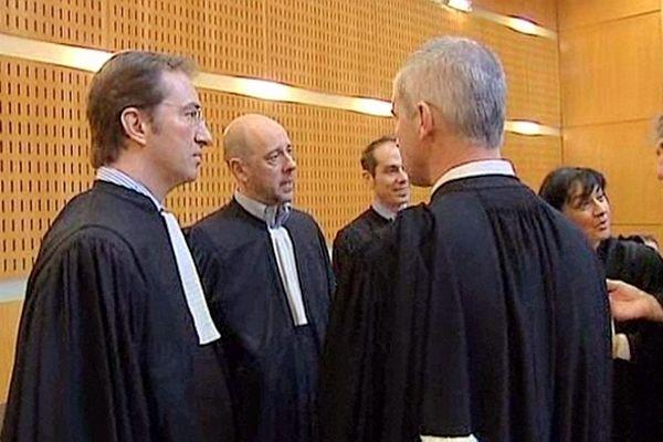 Montpellier - les avocats du procès du 3e RPIMa de Carcassonne dans la salle d'audience - 12 avril 2013.