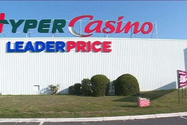 Châlette-sur-Loing: Supermarché Casino.