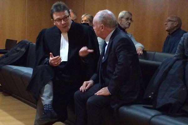 L'ancien directeur du CHU est venu plaider la relaxe avec son avocat après avoir été condamné à 18 mois de prison ferme en première instance