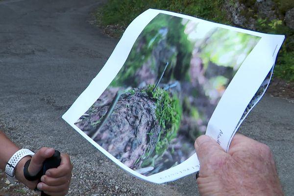 Sur les photos prises par le maire de Villaz, ou des traileurs, on voit clairement les clous dressés dans le bois ou la mousse, et qui font plusieurs centimètres