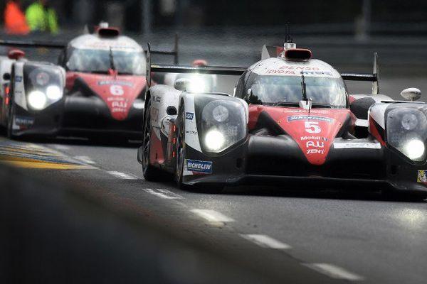 Les Toyota 5 et 6 en tête de la course des 24 heures du Mans
