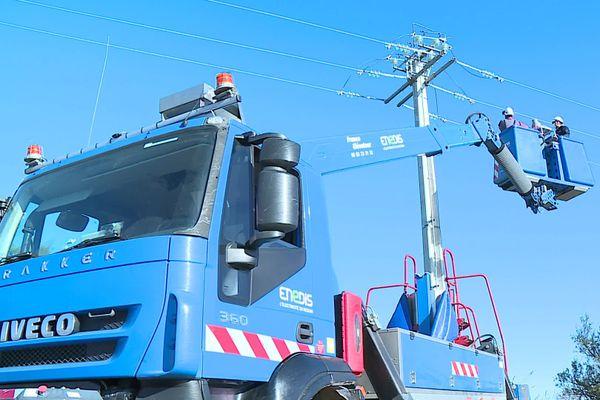 Un chantier de sécurisation des lignes électriques est en cours à Saint-Gilles, dans le Gard.