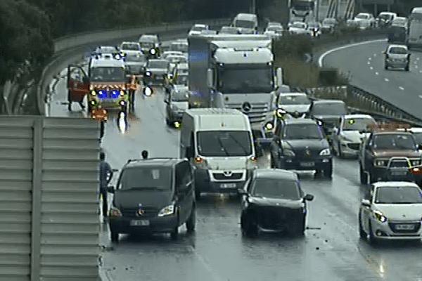 Trois véhicules sont impliqués dans l'accident