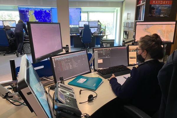 Le poste de surveillance du Cross-A d'Etel reçoit les alertes et organise l'intervention des secours