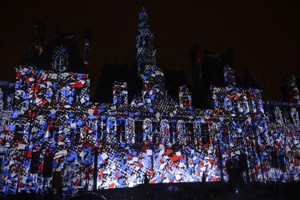 70e anniversaire de la Liberation de Paris. Spectacle commemoratif de la liberation, projete sur la facade de l hotel de ville.