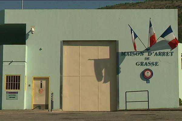 La façade de la maison d'arrêt de Grasse.