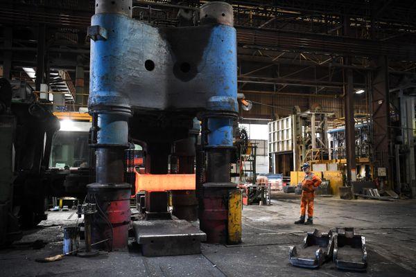 La filiale Aubert & Duval, qui appartient au groupe Eramet, fabrique des matériaux et des pièces pour l'industrie de pointe et notamment le secteur aéronautique. Elle emploie 1.000 salariés sur sept usines en France, ici sur le site des Ancizes, dans le Puy-de-Dôme. Archives.