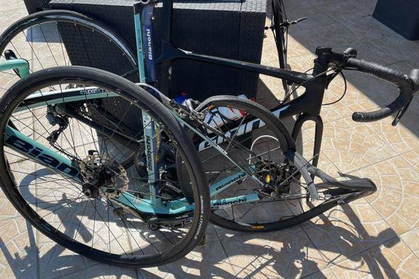 Sur les réseaux sociaux, le frère du coureur a publié une photo du vélo de Jordan Fiefvez après l'accident.