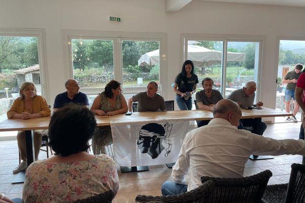 Jean-Christophe Angelini, leader du PNC, tient actuellement une conférence de presse à Corte.