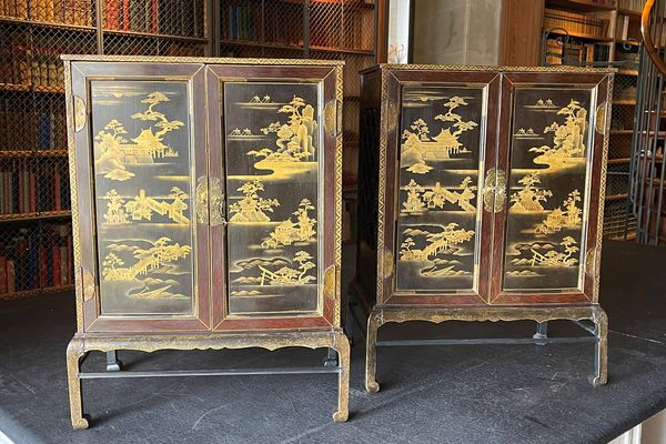 Deux cabinets japonais appartenant aux collections du duc d'Aumale retrouvés après avoir été volés en 1975 au domaine de Chantilly