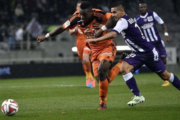 Wissam Ben Yedder face à Lamine Kone