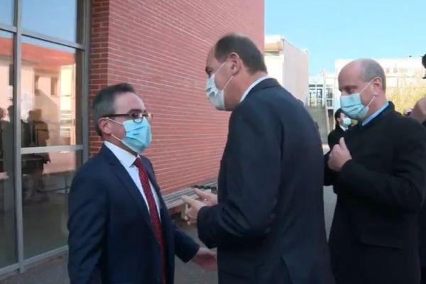 Jean Castex et Jean-Michel Blanquer sont accueillis au lycée Héré de Laxou, dans l'agglomération de Nancy.