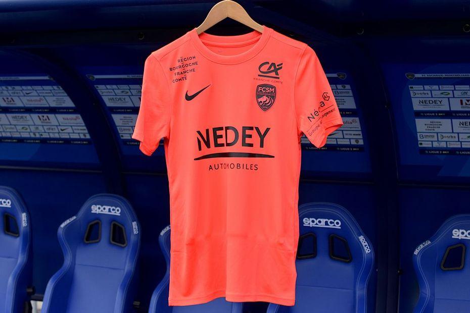 Le FC Sochaux-Montbéliard en maillot rose face à Niort pour encourager au dépistage du cancer du sein