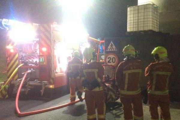 Albi : intervention des sapeurs-pompiers sur un feu de refroidisseur de granulés  à la RAGT