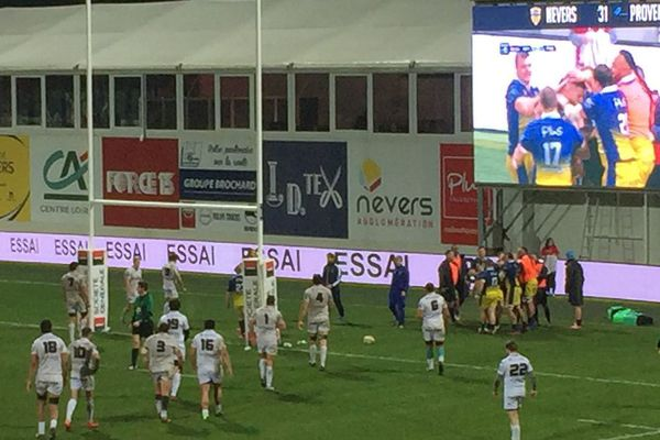 Nevers bat Provence Rugby 43 à 13 vendredi 24 janvier 2020 lors de la 18e journée du championnat de Pro D2.