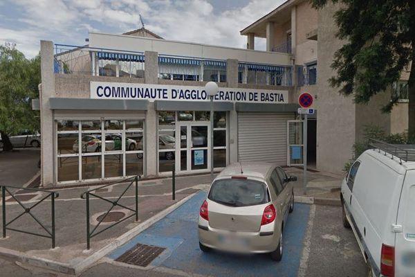 Les bureaux de la CAB, sur le port de Toga