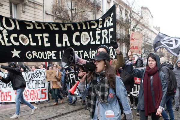 Manifestation de défense de la fonction publique et notamment des cheminots à Dijon, Côte d'OR.