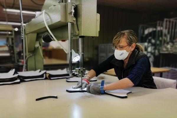 L'entreprise Chanteclair a adapté 100% de son appareil de production à la confection de masques