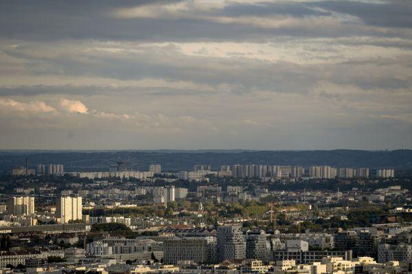 """Le plateau des Minguettes à Vénissieux se situe à 8 km du centre de Lyon : """" le territoire s'est désenclavé, mais pas les esprits"""" juge Mokrane Kassi le président de France des banlieues"""