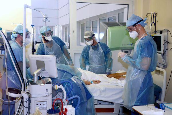 Au service de réanimation de l'hôpital La Timone (AP-HM)