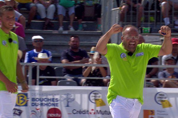 Vigo Dubois laisse exploser sa joie après sa qualification pour la finale du mondial à pétanque
