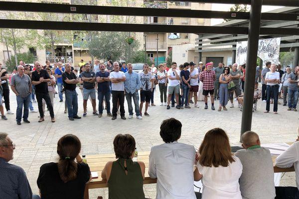La réunion publique organisée à Migliacciaru par Corsica Libera sur le thème des déchets n'a pas réuni les foules lundi. Pourtant les débats ont été riches en contenu. Les opposants aux points de vue de la collectivité de Corse ont mis en avant les sacrifices de la population du Fium'Orbu, alors qu'il n'y a aucune compensation financière ou matérielle prise en compte jusqu'à présent.