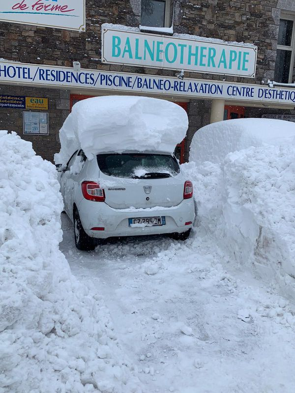 La neige est largement tombée à Saint-Pierre-dels-Forçats, sur le mont Canigou