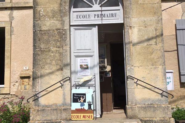 L'école-musée de Champagny ouvre ses portes aux visiteurs le samedi 16 juin 2018.