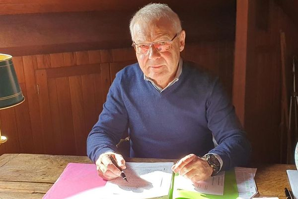 Claude Vilcot, le maire (SE) de Groffliers