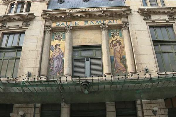 La Salle Rameau a vu le jour en 1907. Ce fut l'une des premières salles dédiées en France à la musique classique. Sa façade, symbole de de l'art nouveau, est protégée.