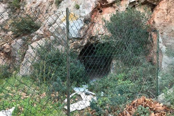 La grotte sanglante de Sète où a été assassiné Patrick Isoird en juin 2014.