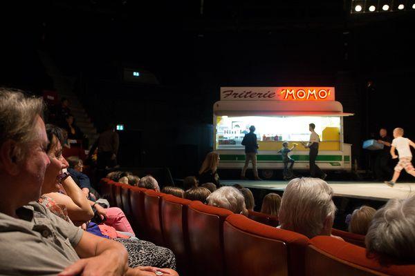 """Une représentation de la pièce """"Stadium"""" à Douai en mai 2017."""