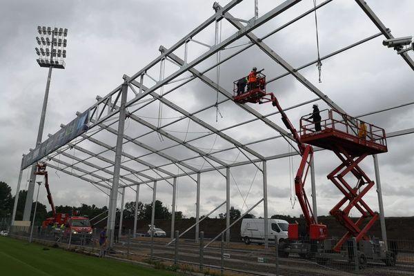 Ce mercredi 4 août les travaux continuent au stade Gabriel-Montpied de Clermont-Ferrand.