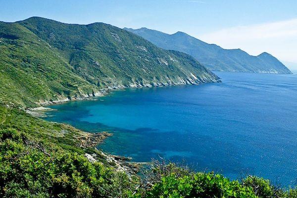 La cap Corse, entre mer et montagne est une partie très préservée de la Corse
