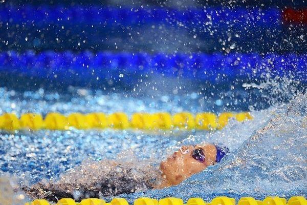 Laure Manaudou en finale du 100 m dos au championnat de France 2012