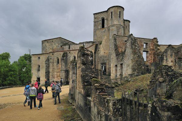 Le site d'Oradour-sur-Glane a attiré de nombreux touristes après le confinement, malgré les restrictions sanitaires.
