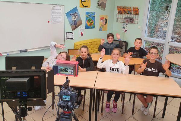 Les élèves de CM2 de l'école Saint-Pierre de Chemillé en Anjou (Maine-et-Loire)