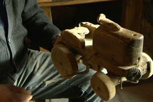 300 jouets en bois sont exposés jusqu'au 15 mars dans la grange des Capoulade, en Aveyron