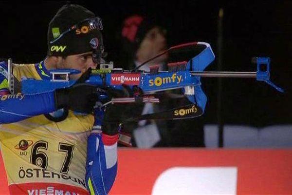 Martin Fourcade a craqué aux tirs lors de l'épreuve inaugurale de la Coupe du monde de biathlon à Östersund, en Suède - 2 décembre 2015