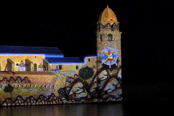 Collioure couleurs propose des projections d'images sur l'église de Collioure (66) durant le mois de décembre.