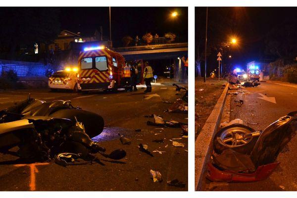 Le scooter a volé en éclats, la roue avant étant arrachée et projetée sur plusieurs mètres.