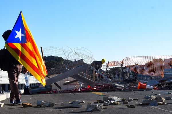 Le 11 novembre, les indépendantistes catalans ont bloqué l'autoroute entre Narbonne et l'Espagne.