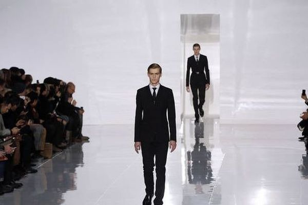 Le défilé de mode homme de Dior à Paris, le 19 janvier 2013