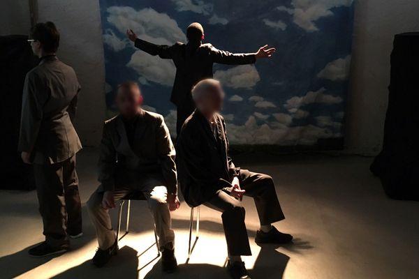 Des détenus de la maison d'arrêt du Puy-en-Velay ont présenté mardi 8 janvier une petite pièce de théâtre sur le thème des valeurs de la République. Une action citoyenne qui s'inscrit dans le cadre de la lutte contre la radicalisation violente.