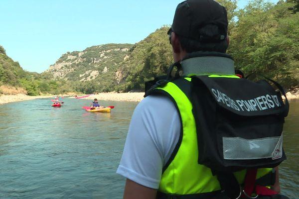 Capitaine Sébastien Peyrard, pompier de l'Ardèche en amont du rapide de la dent noire